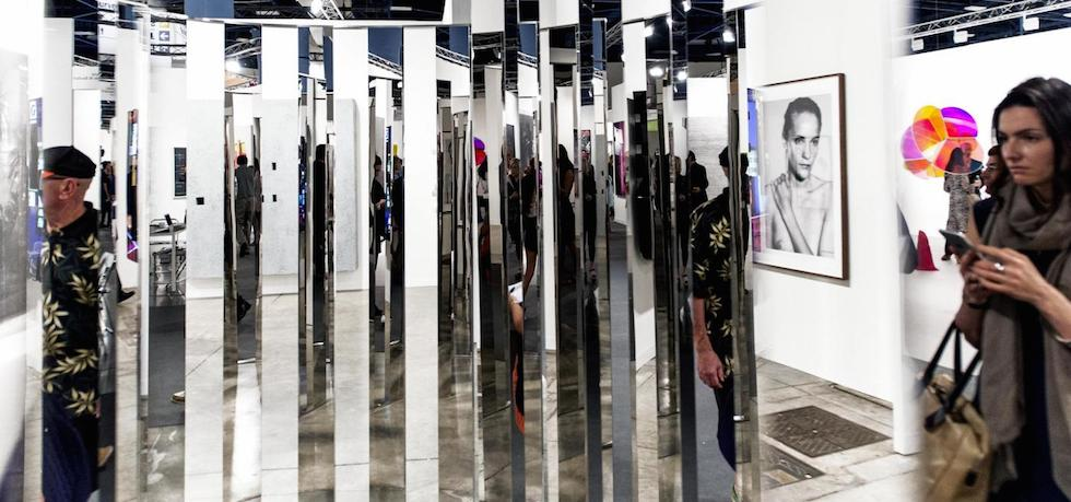 A Mirror installation @ Art Basel Miami